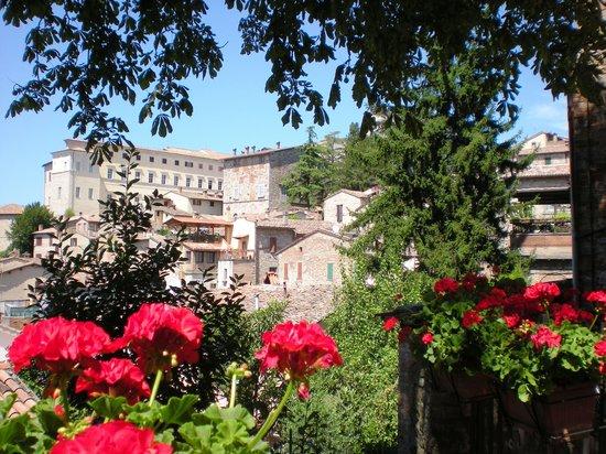 La vista dalla terrazza - Picture of Ristorante Pizzeria Le Scalette ...