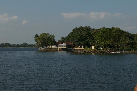 The Lake Restaurant: polonnaruwa rest house