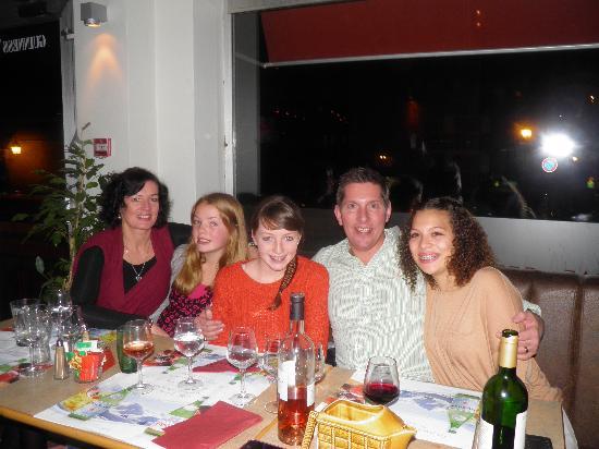 Hotel Les Rhodos : Enjoying an evening at the Rhodos