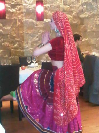 Passage To India : Thursday evening entertainment, fantastic dancer
