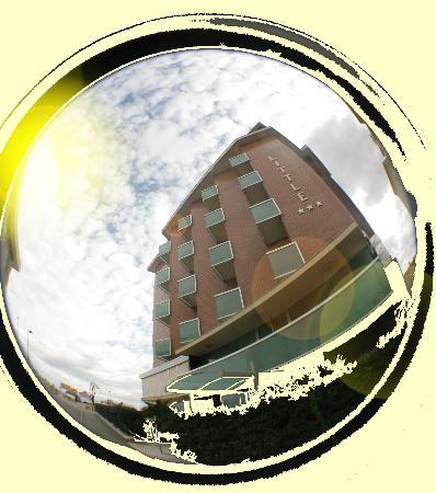 Little Hotel: il sole e' sempre li'