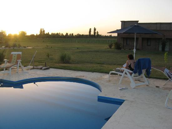 La Carmelita Hotel Rural: La pile a la tardecita