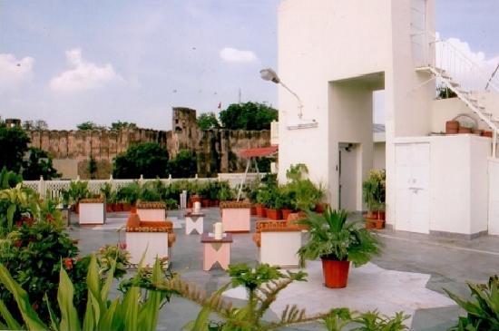 Hotel Kalyan: Roof Topr Restaurent