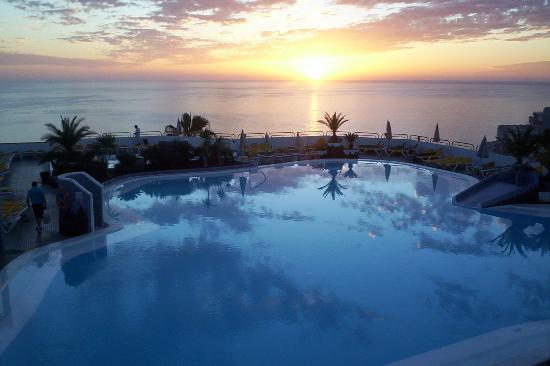 Hotel Riosol : Sunset over lower pool