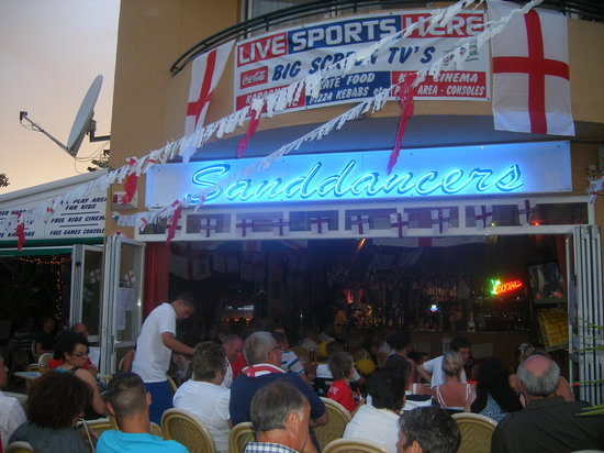 Cala Bona, Spain: sanddancers bar