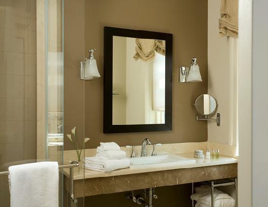 Rittenhouse 1715, A Boutique Hotel: Spacious bathrooms
