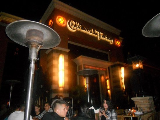 The Cheesecake Factory : Exterior
