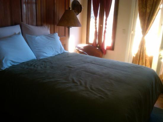 Tubac Country Inn: Bed