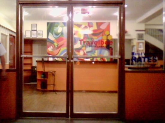 Travelbee Capitol Inn Cebu: entrance