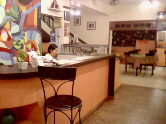 Travelbee Capitol Inn Cebu: reception area