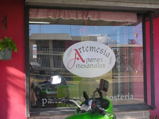Artemesia Panes Artesanales: Picture of Store Front
