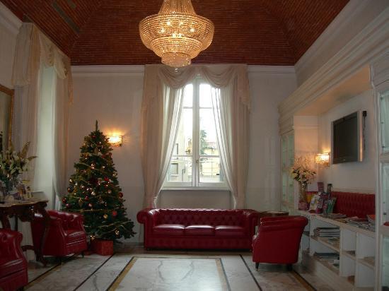 Hotel Embassy: La sala