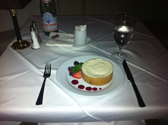 Ruth's Chris Steak House: Cheese cake