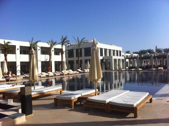 SENTIDO Reef Oasis Senses Resort: Réception et petit salon, piscine pr la 1ère partie des chambres