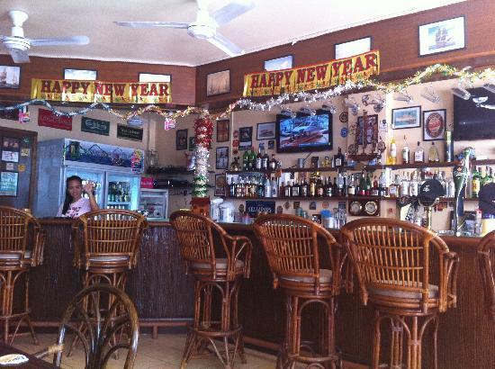 Beach Breeze Guesthouse: Bar