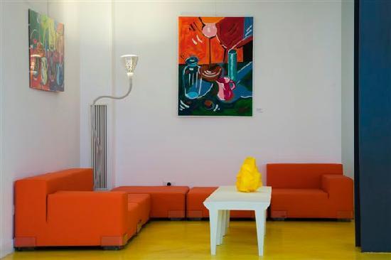 Hotel Correra 241: Salottino arancione