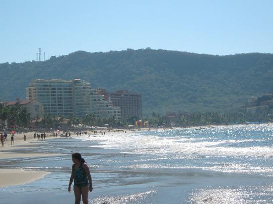 Tesoro Ixtapa: beach east