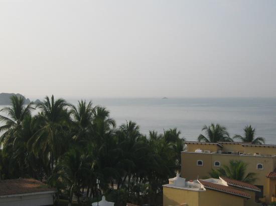 Tesoro Ixtapa: view from 414