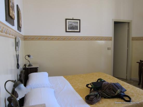 Albergo Cavour: Habitación 2
