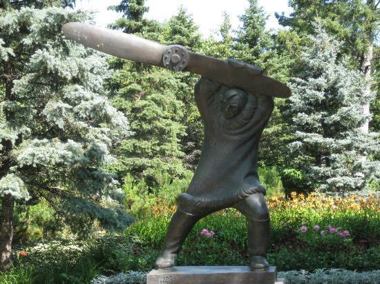 Leo Mol Sculpture Picture Of Assiniboine Park Winnipeg