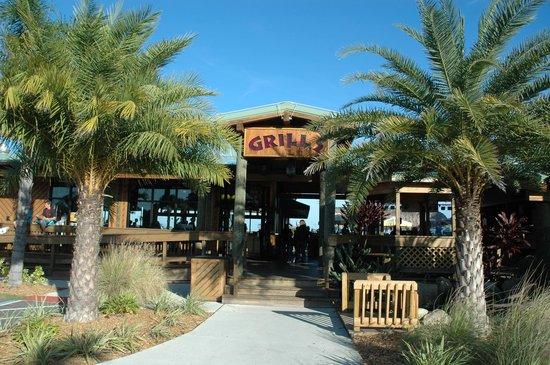 Grills Riverside Seafood Deck & Tiki Bar: Grills Riverside Tiki Bar