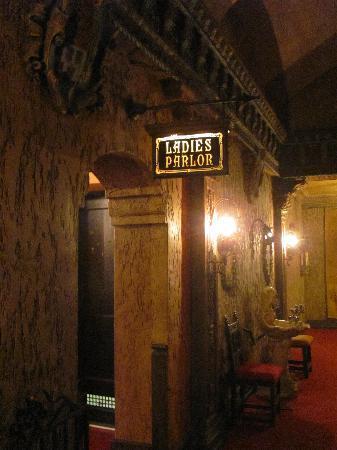 Tampa Theatre: The ladies room