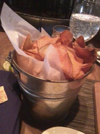 24Grille: bucket of chips that comes with the burger