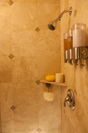 Beach Hut Bed and Breakfast: Tuscan Room Shower Interior