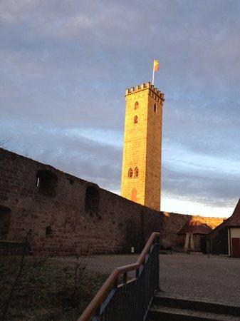 Hotel Burg Abenberg: walls around central courtyard