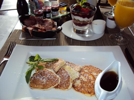 Four Seasons Resort Lana'i, The Lodge at Koele: Silver Dollar Pancakes