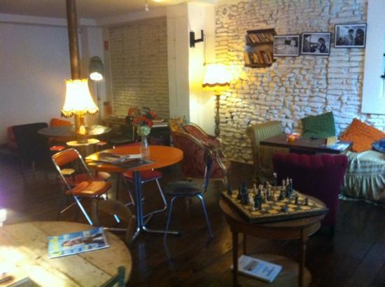 uBU...la suite : chill area - with discreet kids area