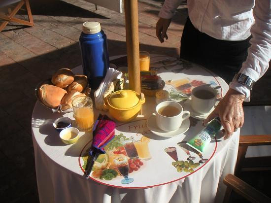 Posada Nueva España: Great breakfast..plenty of Coco Tea.