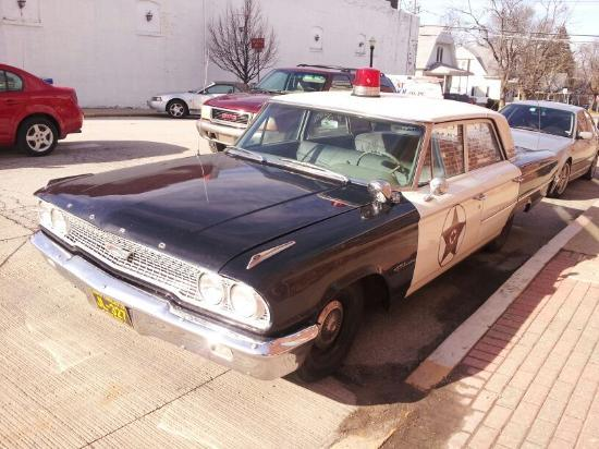 Mayberry Cafe: Andy's squad car parked out front.