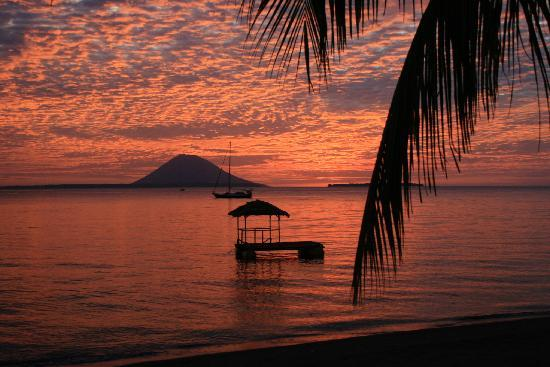 Kima Bajo Resort & Spa, Manado: Majestic sunsets