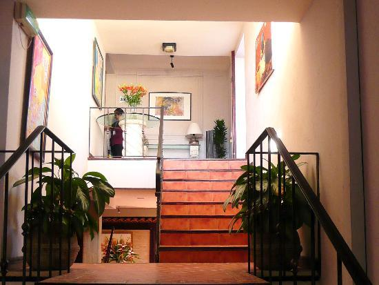 Boutique Hotel Jade: Stairs to second floor