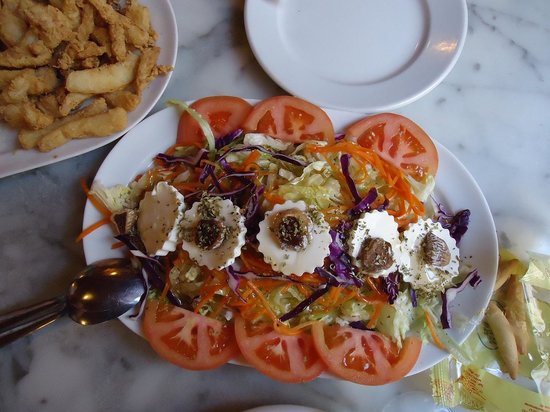 Taberna Coloniales II: Arabic salad with figs and honey sauce