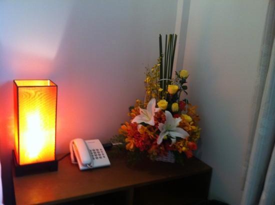 Little Saigon Boutique Hotel : fresh flowers!