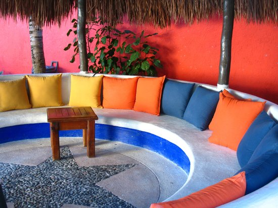 El Acuario Hotel: Palapa near the pool