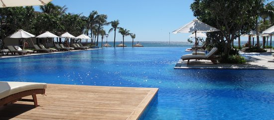 Vinpearl Da Nang Resort & Villas: Main Pool