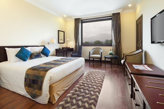 Crowne Plaza Kathmandu-Soaltee: King Bed Executive Suite - Princep Wing