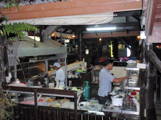 offene Küche - Picture of Rabeang Restaurant & Bar, Khao ...