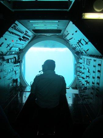 "De Palm Tours: Atlantis Submarines Expedition: The Captain of the Submarine ""Atlantis 6"""