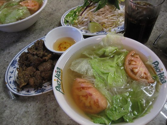 Pho Hoa Restaurant: Basic Noodles and Garlic Pork