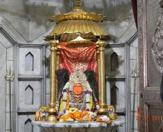 Rajnandgaon, India: maa bambleshwari devi idol