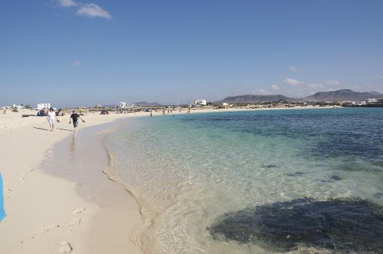 El Cotillo Beach & Lagoons: Playa La Concha - acqua cristallina