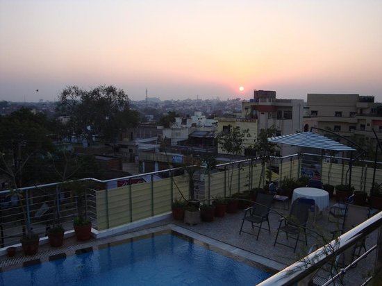 Hotel Taj Resorts : Roof-top swimming pool