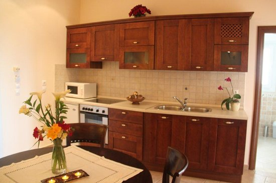 Sebastian's Family Taverna & Accommodation: Two bedroom apartment - living area