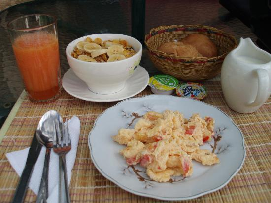 Renacer Hostal: breakfast (it's extra, but worth it)