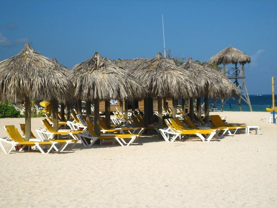 Iberostar Rose Hall Suites : On the beach
