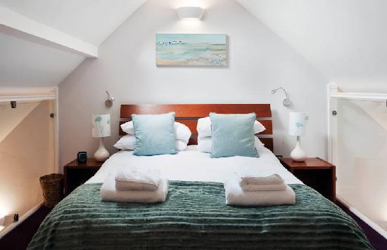 Marino Place Apartments: Bedroom